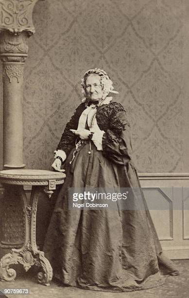 Victorian portrait photograph of an elderly woman taken in the studios of Southwell Bros 16 22 Baker St London