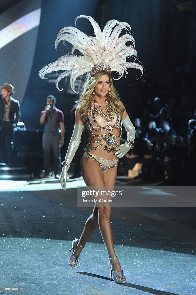 Victoria's Secret Angel Doutzen Kroes walks the runway during the 2012 Victoria's Secret Fashion Show at the Lexington Avenue Armory on November 7, 2012 in New York City.