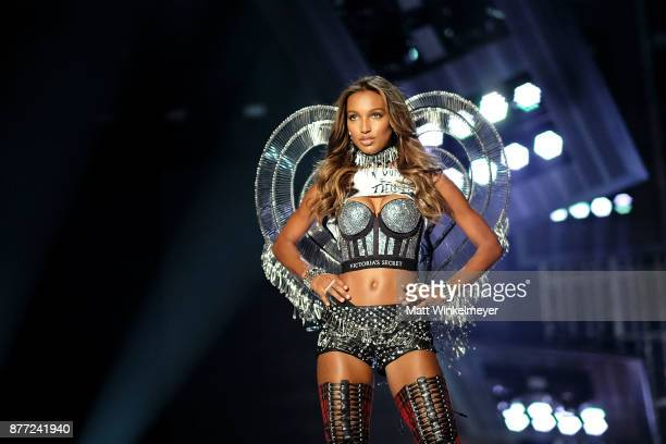 Victoria's Secret Angel Jasmine Tookes walks the runway during the 2017 Victoria's Secret Fashion Show In Shanghai at MercedesBenz Arena on November...