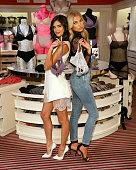 Victoria's Secret Angels Celebrate The Best T-Shirt Bra...