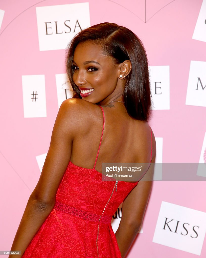 Victoria's Secret Model <a gi-track='captionPersonalityLinkClicked' href=/galleries/search?phrase=Jasmine+Tookes&family=editorial&specificpeople=6995106 ng-click='$event.stopPropagation()'>Jasmine Tookes</a> attends Victoria's Secret Angels Share Their Gift Picks And Tips For Valentine's Day at Victoria's Secret Herald Square on February 9, 2016 in New York City.