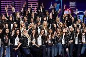 Victoria's Secret Fashion Show 2017 - All Model...