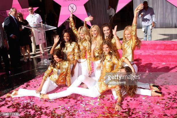 Victoria's Secret models Selita Ebanks Adriana Lima Alessandra Ambrosio Heidi Klum and Izabel Goulart of the Victoria's Secret Angels receive 'Award...
