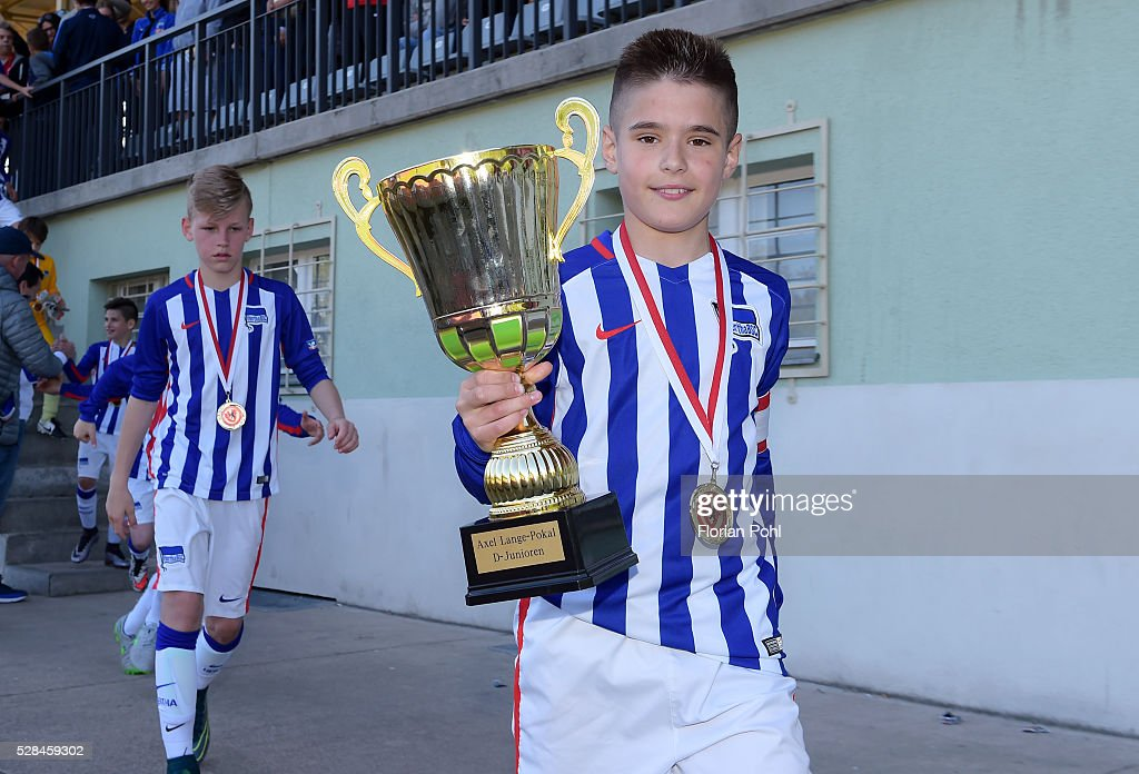 victory ceremony after dem D-juniors Pokalspiel between Hertha BSC and 1. FC Wilmersdorf on May 5, 2016 in Berlin, Germany.
