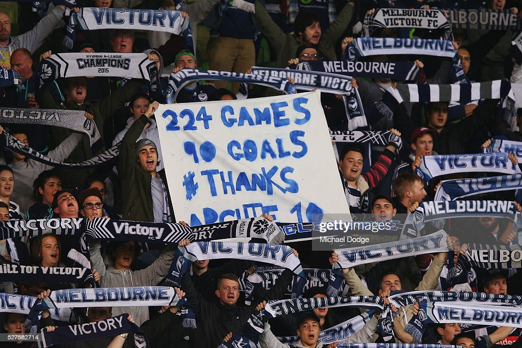 Victory fans pay tribute to <a gi-track='captionPersonalityLinkClicked' href=/galleries/search?phrase=Archie+Thompson&family=editorial&specificpeople=545649 ng-click='$event.stopPropagation()'>Archie Thompson</a> of the Victory during the AFC Champions League match between Melbourne Victory and Gamba Osaka at AAMI Park on May 3, 2016 in Melbourne, Australia.