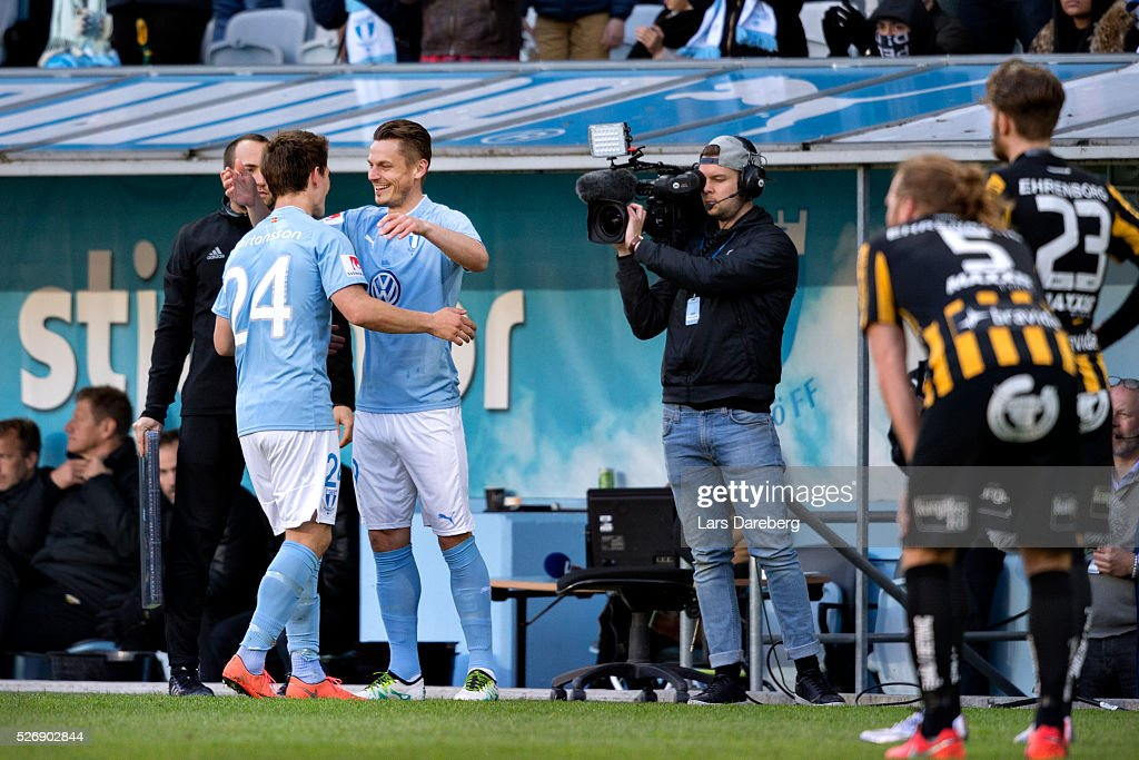 Vidar Orn Kjartansson of Malmo FF is changing with Markus Rosenberg of Malmo FF during the Allsvenskan match between Malmo FF and BK Hacken at Swedbank Stadion on May 1, 2016 in Malmo, Sweden.