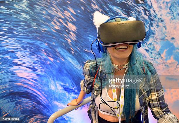 VidCon attendee experiences Samsung Gear VR at The Samsung Experience at VidCon 2016 on June 23 2016 in Los Angeles California