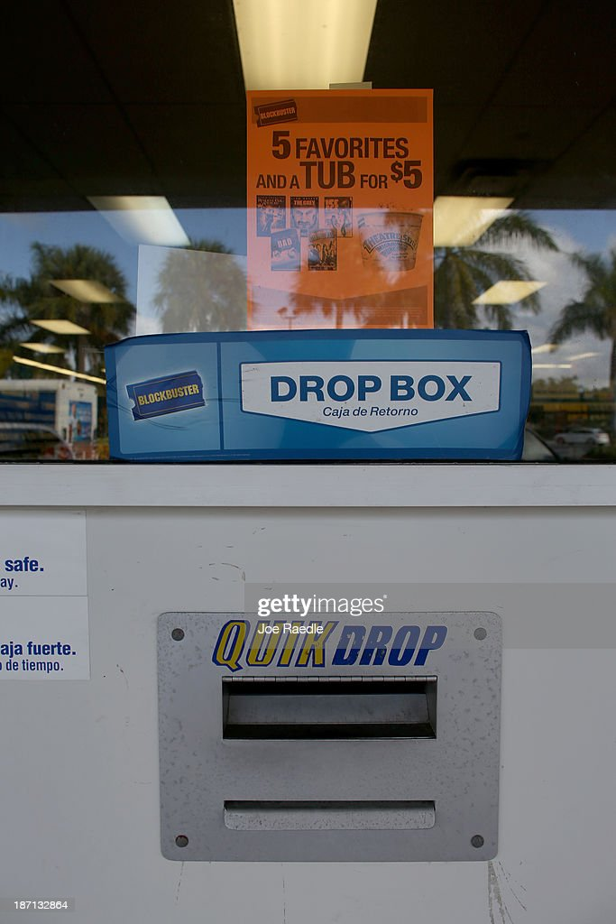 A video drop off slot is seen at a Blockbuster video store on November 6, 2013 in Miami, Florida. Blockbuster announced today that it will close its 300 remaining U.S. stores by early January.