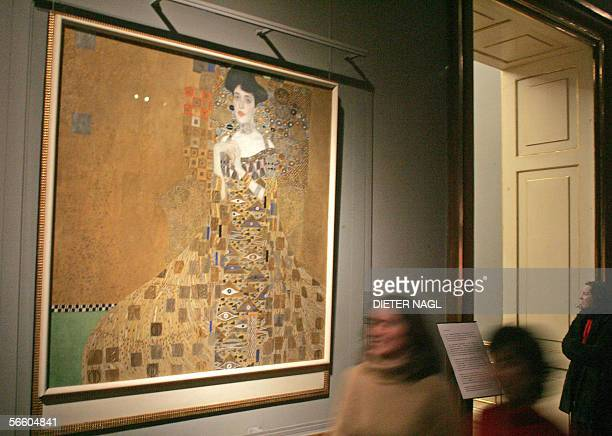 A picture taken 17 January 2006 shows Austrian art nouveau painter Gustav Klimt's 'Adele BlocherBauer I' at the Belvedere palace in Vienna An...