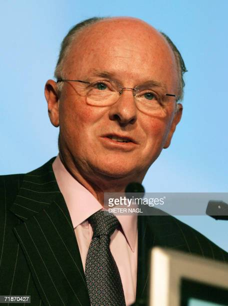 The chairman of the board and chief executive officer of Chevron Corporation David J O'Reilly delivers a speech 13 September 2006 on the second day...