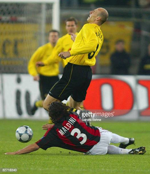 POKAL 01/02 Viertelfinale Dortmund BORUSSIA DORTMUND AC MAILAND Jan KOLLER/DORTMUND Paolo ALDINI/MAILAND