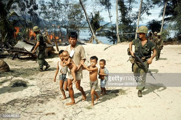 Viet Nam War in 1965 Evacuation of the vietnamese civilians