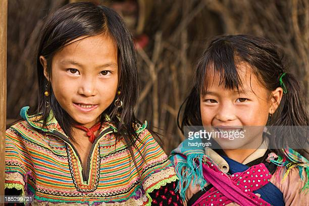 Vietnamese little girls from Flower Hmong Tribe