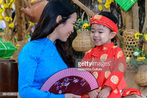 Vietnamese Long Dress and Spring (Ao dai du xuan)