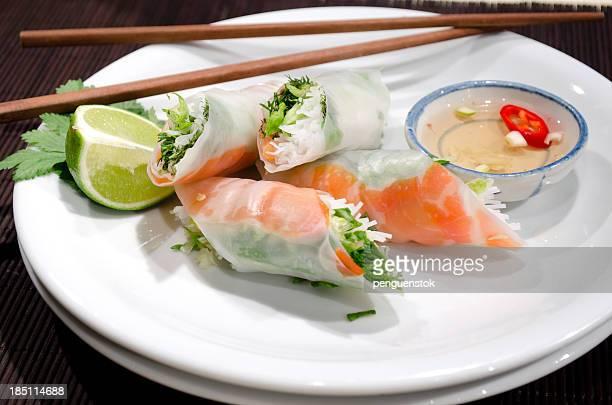 Vietnamese Mango Rice Paper Rolls