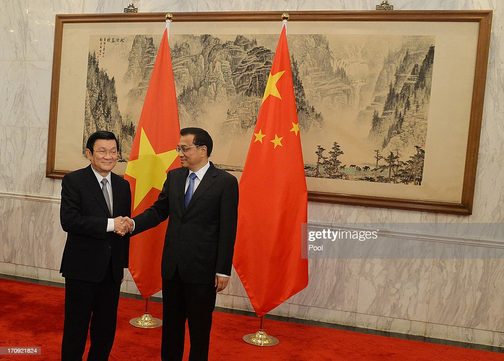 Vietnamese President Truong Tan Sang (L) meets the Chinese Premier <a gi-track='captionPersonalityLinkClicked' href=/galleries/search?phrase=Li+Keqiang&family=editorial&specificpeople=2481781 ng-click='$event.stopPropagation()'>Li Keqiang</a> at the Diaoyutai State Guest House on June 20, 2013 in Beijing, China. The Vietnamese President is on a two day visit to China to meet the new leaders and discuss maritime and trade issues.