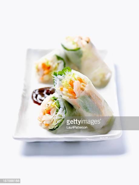 Des rouleaux de papier de riz vietnamiennes crevettes