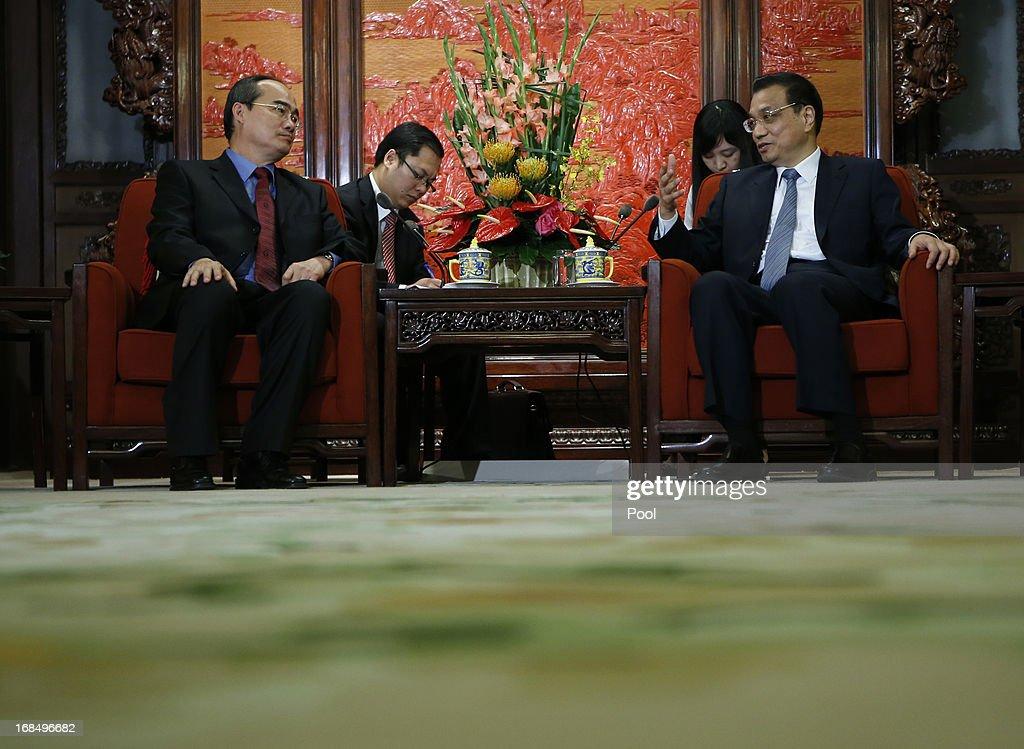 Vietnam's Deputy Prime Minister Nguyen Thien Nhan (L) shakes hands with Chinese Premier <a gi-track='captionPersonalityLinkClicked' href=/galleries/search?phrase=Li+Keqiang&family=editorial&specificpeople=2481781 ng-click='$event.stopPropagation()'>Li Keqiang</a> during a meeting at the Zhongnanhai compound on May 10, 2013 in Beijing, China. Israel's PM Benjamin Netanyahu also visited Chinese leaders this week.