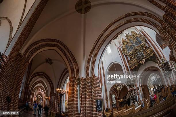 Blick von der Gang zum Schiff der Kathedrale von Roskilde
