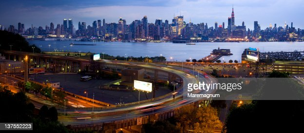 View from Weehawken near Lincoln Harbor,New Jersey : ストックフォト