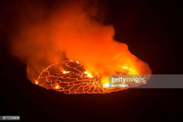 Vista para o Centro da Terra, vulcão Nyiragongo, República Democrática do Congo