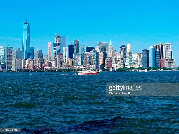view Manhattan from Liberty island