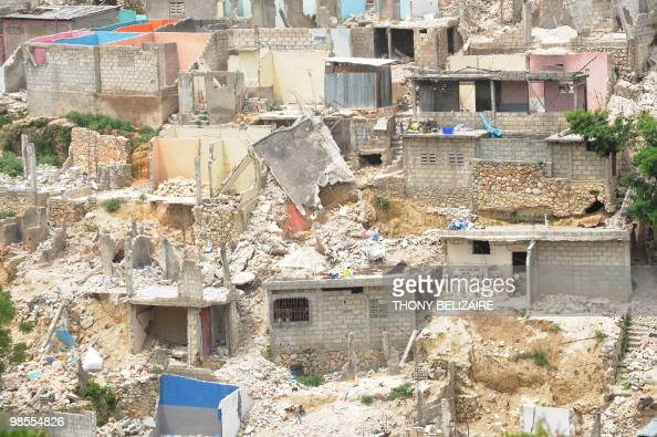 Haiti earthquake damage stock photos and pictures getty for Canape vert port au prince haiti