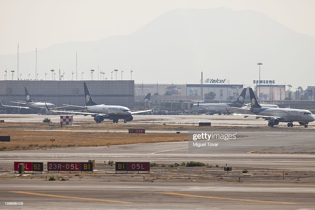 View of AeroMexico planes on the tarmac at the Benito Juarez International Airport in Mexico City, Mexico on January 18, 2013. The mexican airline maintains its decision to add 19 Boeing 787 while airlines worldwide grounded their 787 Dreamliners because of the fire risk.