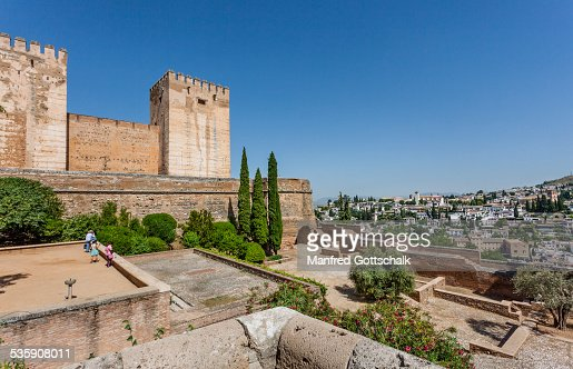 View of Alcazaba's east towers : Foto de stock