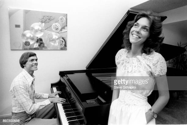 View of American sibling musicians Richard Carpenter on the piano and Karen Carpenter Los Angeles California 1973 The pair performed as 'The...