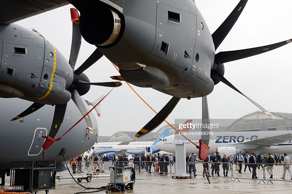 View of an Airbus A400-M engines at Le Bourget airport, near Paris on June 19, 2013 during the 50th International Paris Air show. AFP PHOTO / ERIC FEFERBERG