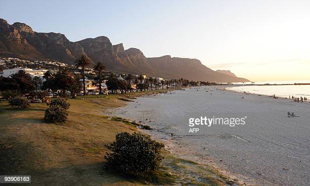 A view of Camps Bay near Cape Town on December 3 2009 AFP PHOTO/STEPHANE DE SAKUTIN