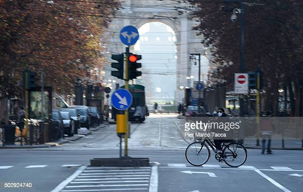 A view of Corso Sempione during the third day of a traffic ban on December 30 2015 in Milan Italy The city of Milan has implemented a three day ban...