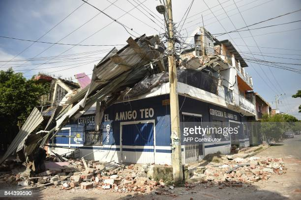 TOPSHOT View of damages following the 82 magnitude earthquake that hit Mexico's Pacific coast in Juchitan de Zaragoza state of Oaxaca on September 8...