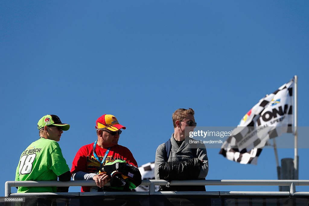 A view of fans looking on in the garage area during practice for the NASCAR Sprint Cup Series Daytona 500 at Daytona International Speedway on February 13, 2016 in Daytona Beach, Florida.