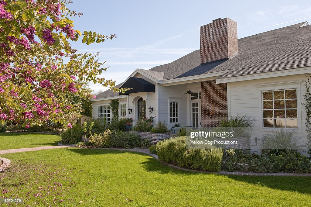 View of Front of Home : Stock Photo