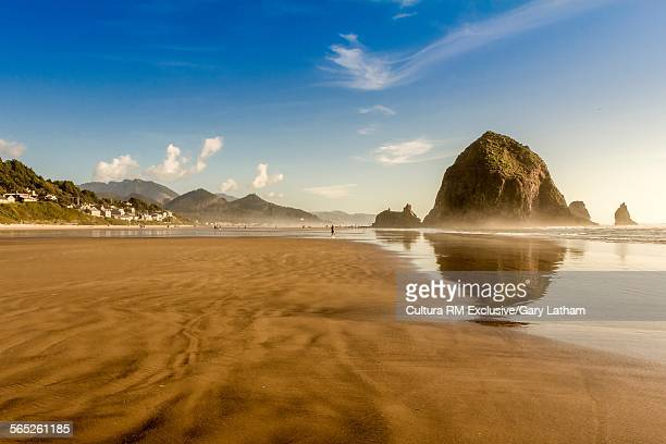 View of haystack rock and coast, Cannon Beach, Oregon, USA