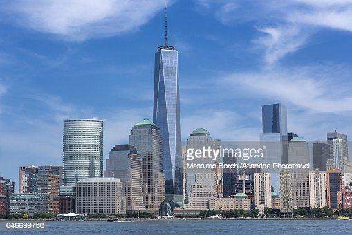 View of Manhattan with the One World Trade Center : Stock Photo