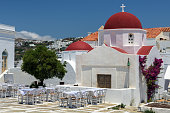 A typical view of Mykonos village, with as many as one chapel per family living in the island.
