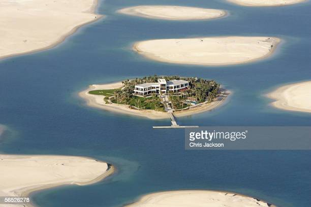 A view of new development The World is seen from the air December 17 2005 in Dubai United Arab Emirates The World consists of over 300 man...