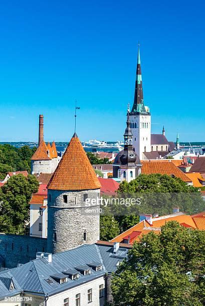 Vista della città vecchia di Tallinn dall'Toompea