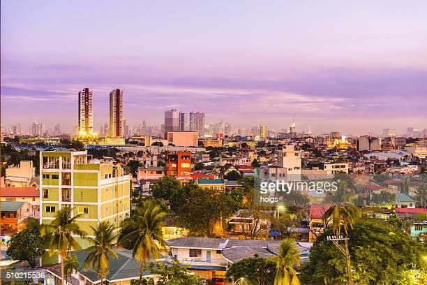 Quezon Ville avec vue sur la ville au coucher du soleil