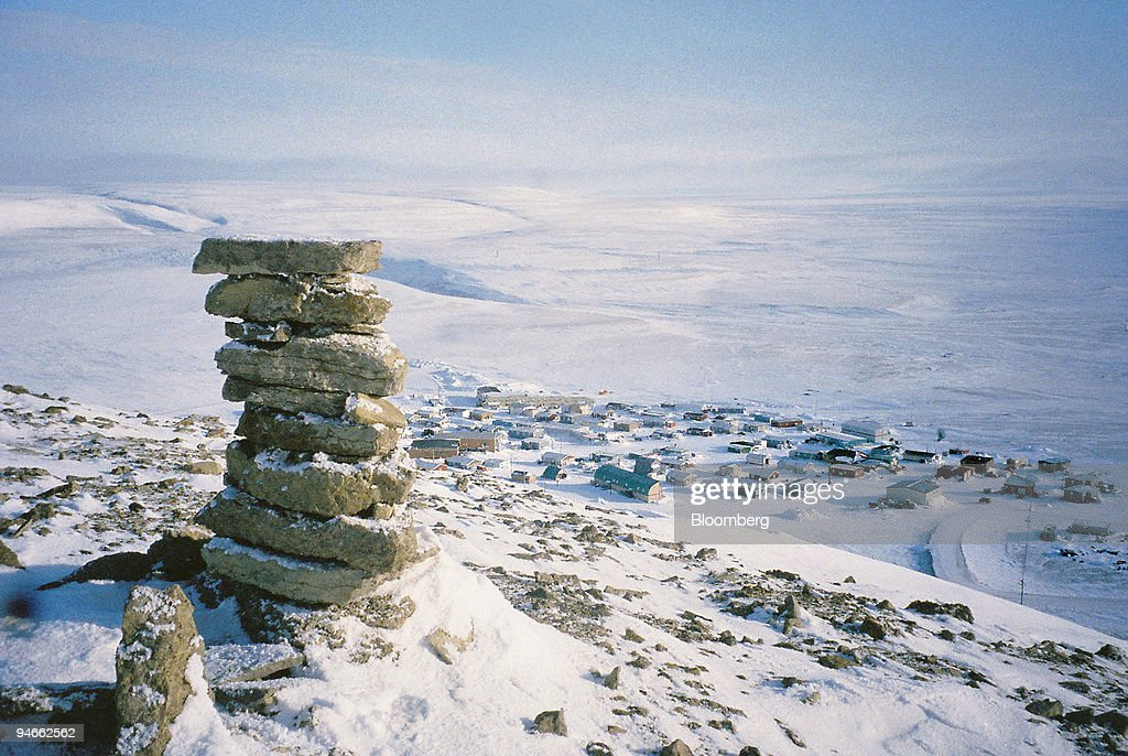 A view of Resolute Bay a 200person Inuit community on Cornwall Island northern Canada in April 2006 Members of the Ice Warrior expedition n to the...