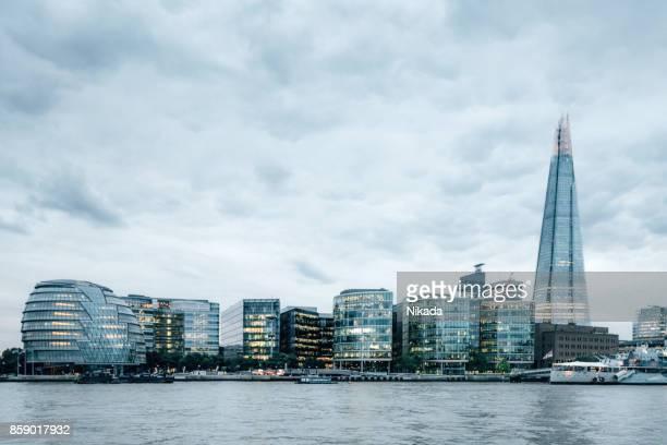 Blick auf die Themse mit dem Shard, Zentral-London, UK