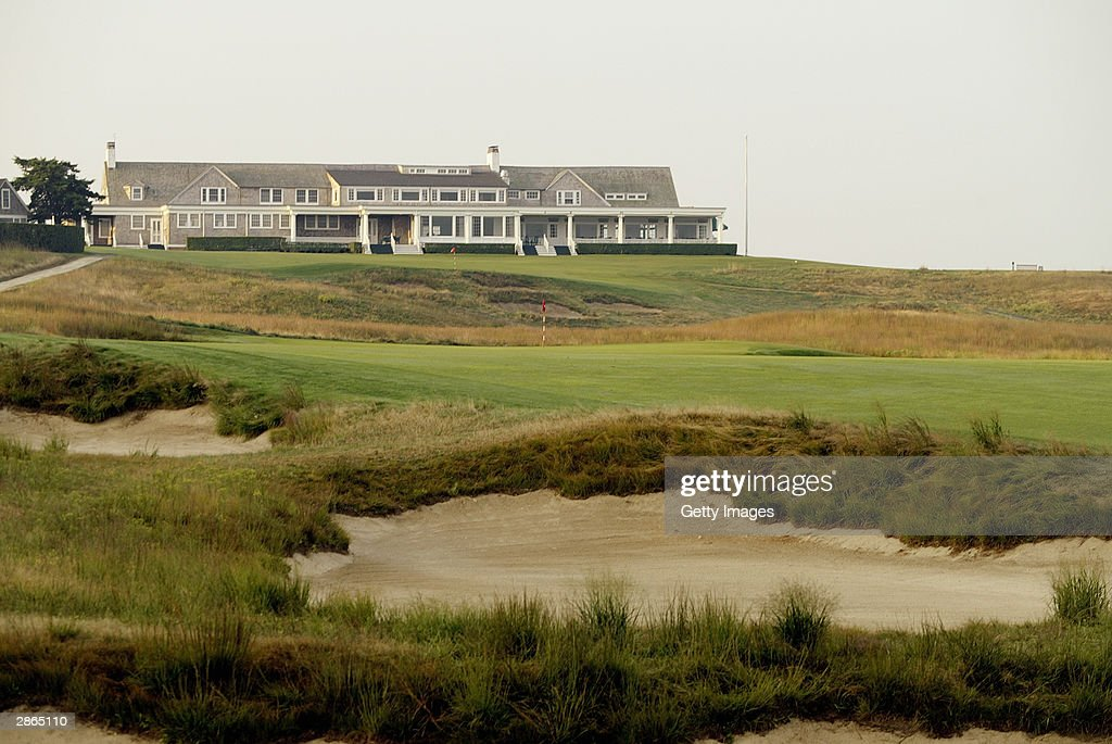 A view of the 16th hole and clubhouse at Shinnecock Hills Golf Club on July 22 2003 in Southampton New York Shinnecock Hills is the site of the 2004...
