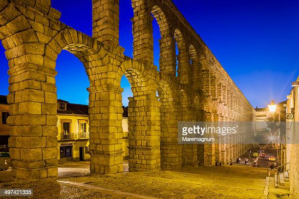 View of the Acueducto Romano (Roman aqueduct)