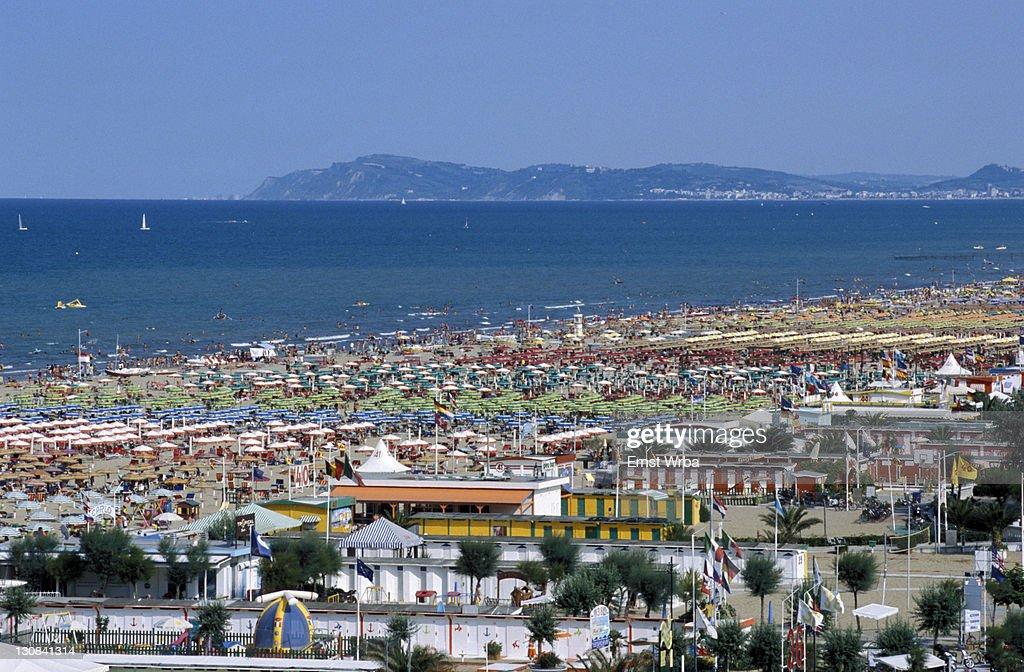 View of the beach and bagni (baths), Rimini, Emilia Romagna, Adriatic coast, Italy, Europe