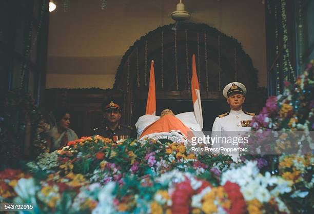 View of the body of the first Prime Minister of India Jawaharlal Nehru pictured draped in the Indian national flag lying in state in Delhi on 27th...