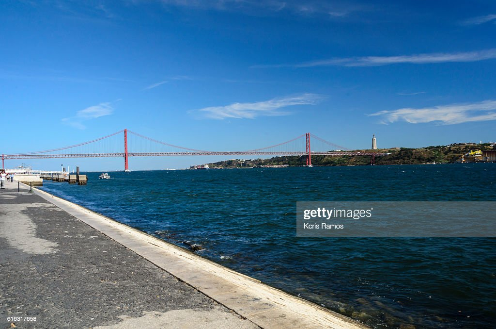 View of the bridge April 25 : Stock Photo