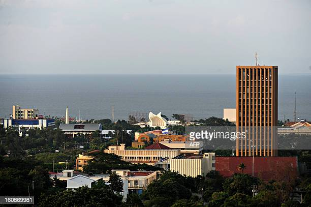 View of the city from a viewpoint at Loma Tiscapa in Managua on October 17 2009 AFP PHOTO/ Elmer MARTINEZ / AFP PHOTO / ELMER MARTINEZ